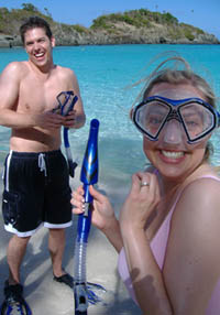 Kevin        and      Laura      going      snorkeling