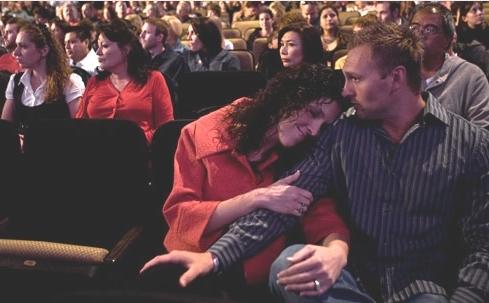 couple-in-congregation-light1.jpg
