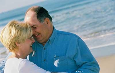 couple-on-beach